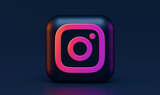 140 Short Instagram Captions To Simply Copy-Paste In Your Posts